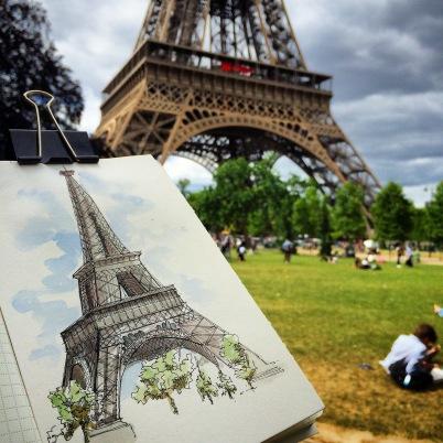 Doodlewash and watercolor urban sketch of Eiffel Tower in Paris by César Rodríguez